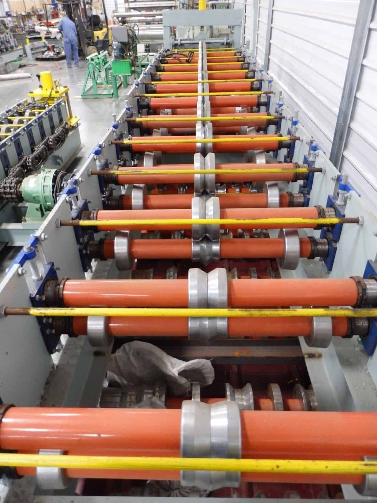 W Valley Roofing Flashing Roll Forming Machine